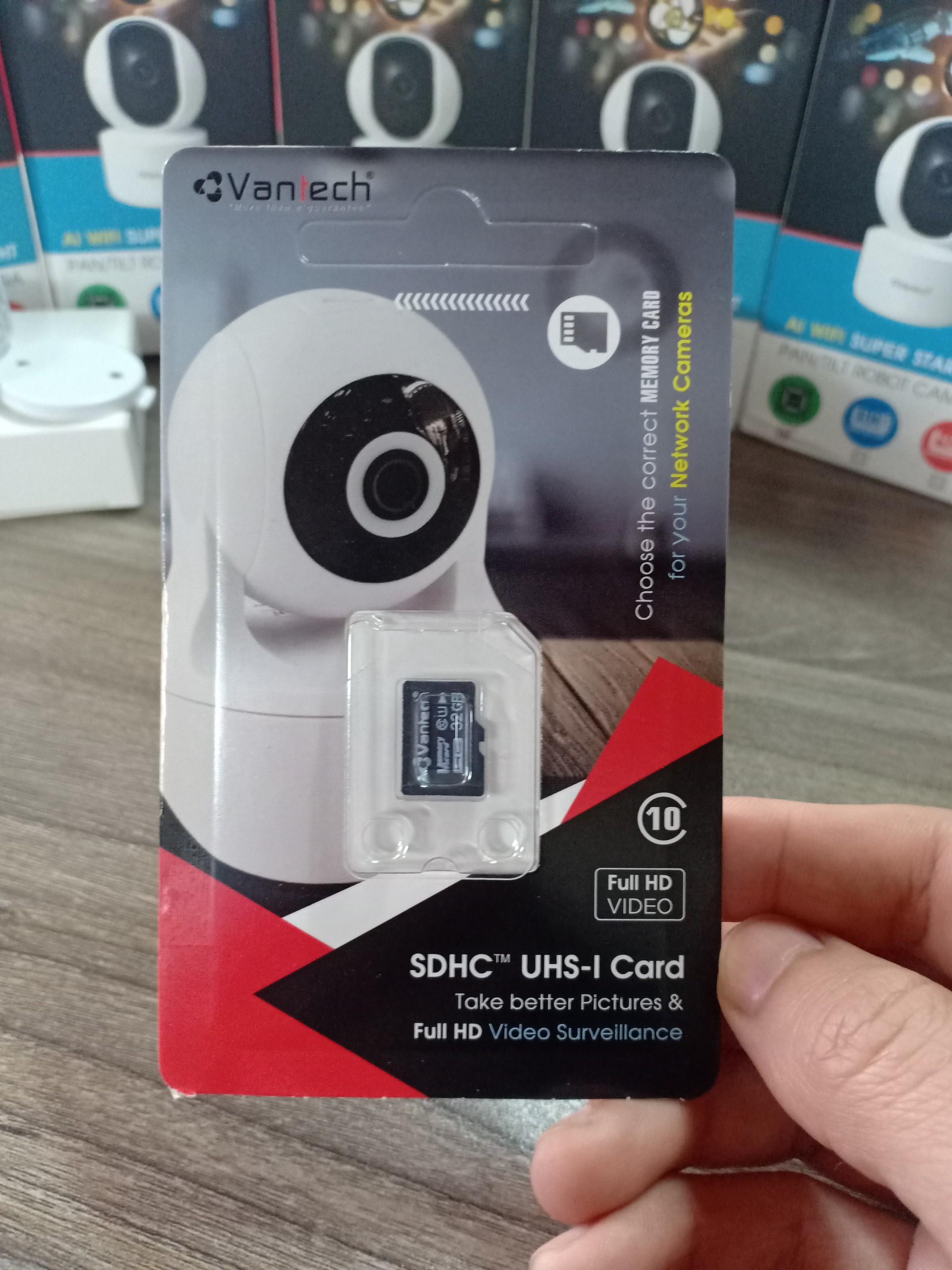 tặng kèm thẻ 32G kèm camera